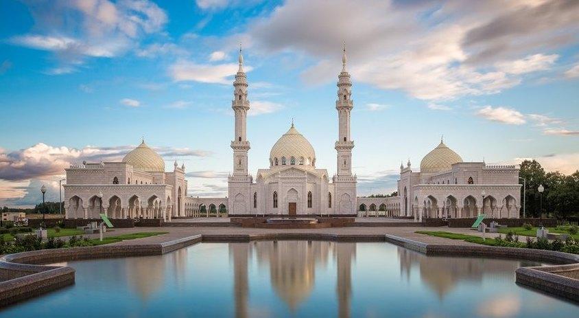 Белая мечеть в городе Болгар