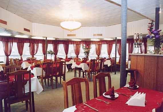 Ресторан (верхний салон)